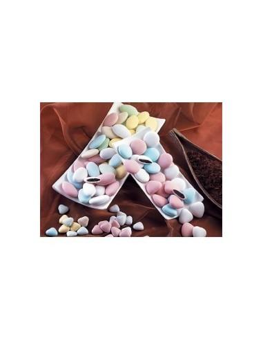 Caja de 1 Kg de Peladillas de chocolate.