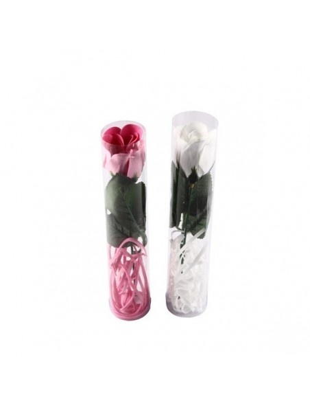 Flor rosa de pétalos de jabón en caja de regalo