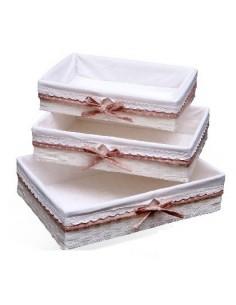 Cesta Bandeja forrada de tela con puntilla y lazo rosa
